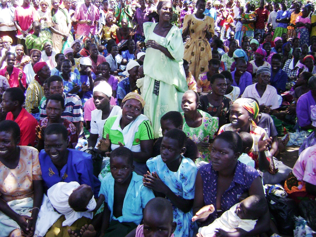 uganda-crowd